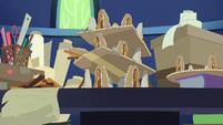 Twilight Sparkle's multiple Ponhenge dioramas S7E25