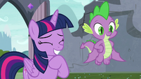 Twilight laughing with the students S9E3