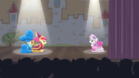 CMC on stage S4E19