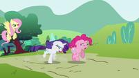 Pinkie Pie and Rarity run away sobbing S2E19
