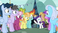 """Rarity """"flowers that accentuate my mane"""" S7E19"""