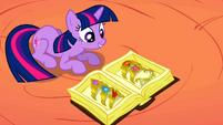 S02E02 Twilight odnajduje elementy