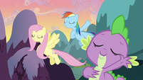 Spike, Rainbow Dash and Fluttershy singing S3E2