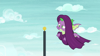 Spike flying with curtains on his head S8E24