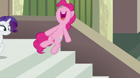 Pinkie Pie jumps while spelling Maud's name --A-- S6E3