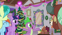 "Spike repeating ""and presents!"" S8E16"