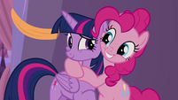 Pinkie Pie hugging Twilight Sparkle S9E17
