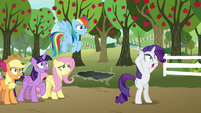 Rarity frightened about Spike S9E13