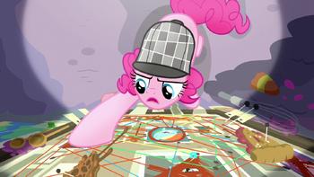 S07E23 Pinkie analizuje poszlaki na swojej tablicy.png