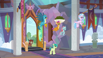 Young Six enter the School of Friendship S9E3