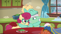 Zephyr Breeze hugging his parents tightly S6E11