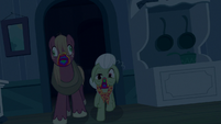 Big Mac and Granny Smith turned into zombies S6E15