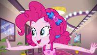 Pinkie Pie entering the cruise buffet EGSB