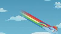 Rainbow leaves rainbow trail as she flies down S5E25