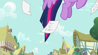 Twilight Sparkle flying up to the sky S7E14