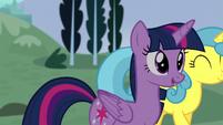 Twilight walks with Lemon Hearts S5E12