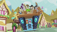 DJ Pon-3's DJ station has more passengers S5E9