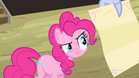 Pinkie Pie looking at the letter S4E11