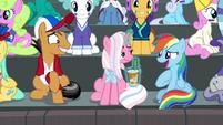 Rainbow Dash laughing nervously S9E6