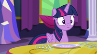Twilight looking at Starlight S06E06