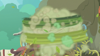 Rarity quickly fixing the hanging plant S7E25