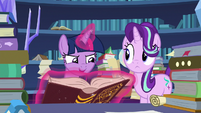 """Twilight Sparkle """"if the Pillars can hold open"""" S7E26"""