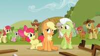 Apple Bloom and Granny Smith cheer up Applejack S03E08