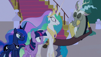 Discord appears before the princesses S9E17