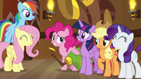 Pinkie surrounded by her best friends S8E18