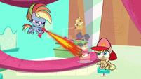 Rainbow Dash using a blowtorch PLS1E3a
