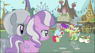 S02E12 Babcia wita koleżanki Apple Bloom