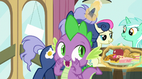 """Spike announcing """"one minute left"""" S9E16"""