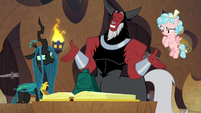 Tirek offers his hands to Chrysalis and Cozy S9E24