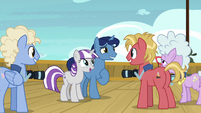 Velvet and Night Light agree to have their picture taken S7E22