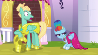 Zephyr Breeze surprised to see Rainbow S9E4