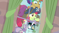 Apple Bloom -this pony really likes her apples- S7E8