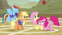 Pinkie Pie bouncing the ball into the air S6E18