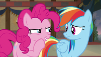"""Pinkie Pie whispers to Rainbow """"I got this"""" S7E18"""