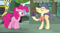 Pouch Pony --pouches like this-- S6E3
