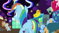 Rainbow hears ponies chant Goldie's name S8E5