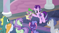 Starlight Glimmer waving to the students S8E1