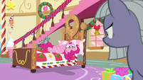 "Pinkie Pie ""Hearth's Warming hats!"" MLPBGE"