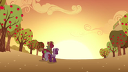 S02E17 Cheerilee i Big Mac oglądają zachód słońca