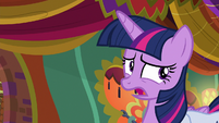 Twilight pausing with awkwardness S9E5