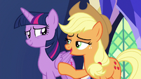 """Applejack """"just go with it, hon"""" S7E11"""