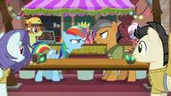 S06E13 Quibble i Rainbow się kłócą