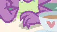 Spike tapping his claws on the table S7E15