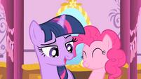Twilight promises to keep the secret S01E20