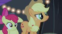 Applejacks hears Silver Shill S4E20