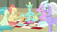 Hippogriffs eating snacks and playing drums S8E6